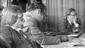 Hans Bohrmann (Mitte) auf der DGPuK-Jahrestagung 1975 in Göttingen (Foto: Raimund Kommer)