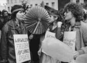 Friedensdemonstration von Leipziger Journalistikstudenten Anfang der 1980er-Jahre (Quelle: Privatarchiv Karl-Heinz Röhr)