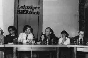 Klaus Preisigke (2. von links) auf der Leipziger Dokfilmwoche 1982. Rechts neben ihm: Karl Gass und Gitta Nickel (Foto: Podszuweit, Privatarchiv Klaus Preisigke).
