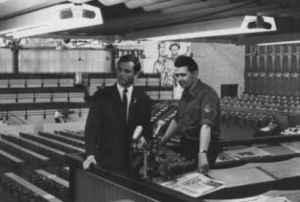 Klaus Preisigke (links) und FDJ-Chef Günter Jahn 1967 auf dem Parlament der FDJ in Karl-Marx-Stadt (Quelle: Privatarchiv Klaus Preisigke)