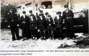 Arbeitsgemeinschaft Junge Brandschutzhelfer 1960. Zweiter von links: Wulf Skaun (Foto: privat)