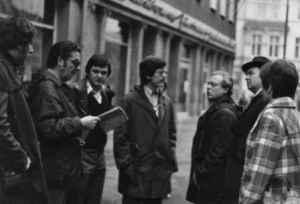 Sektions-Exkursion 1976 nach Saalfeld. Von links: Rüdiger Krone, Uwe Boldt, Georg Fehst, Wulf Skaun, Fred Vorwerk, Arnd Römhild, Marianne Kramp (Quelle: Privatarchiv Wulf Skaun).