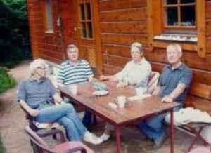 Ehemaligen-Treffen 2010. Von links: Udo Schneider, Wulf Skaun, Uta Starke, Wolfgang Tiedke (Quelle: Privatarchiv Wulf Skaun).