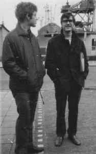 Exkursion nach Rostock im ersten Studienjahr im Rahmen des Übungssystems. Wolfgang Tiedke (links) und Wulf Skaun (Quelle: Privatarchiv Wulf Skaun).