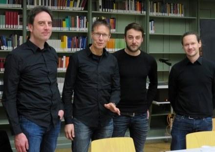 In Schwarz: Manuel Wendelin, Michael Meyen, Thomas Wiedemann, Andreas Scheu (v.l.n.r., Foto: Markus Thieroff)
